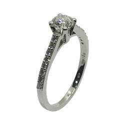 טבעת זהב משובצת 17 יהלומים במשקל 0.69 קרט דגם : 4009